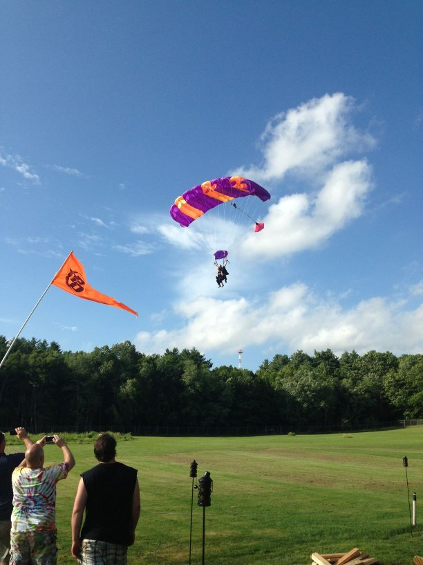 Skydiver landing parahcute in CT